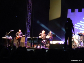 Don Moen takes the stage