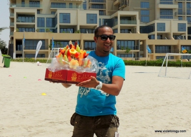 Edible Arrangement comes to the beach