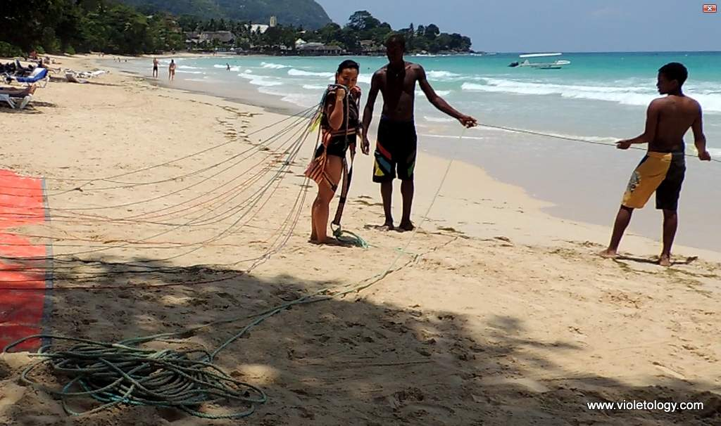 Seychelles-parasailing-2