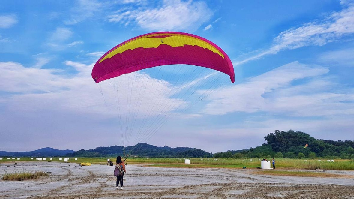 paragliding awesome korea